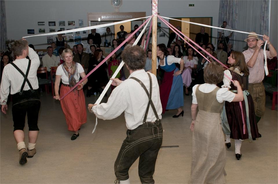Mai 2010: Folkloreabend mit Musik – Tanz – Gedicht